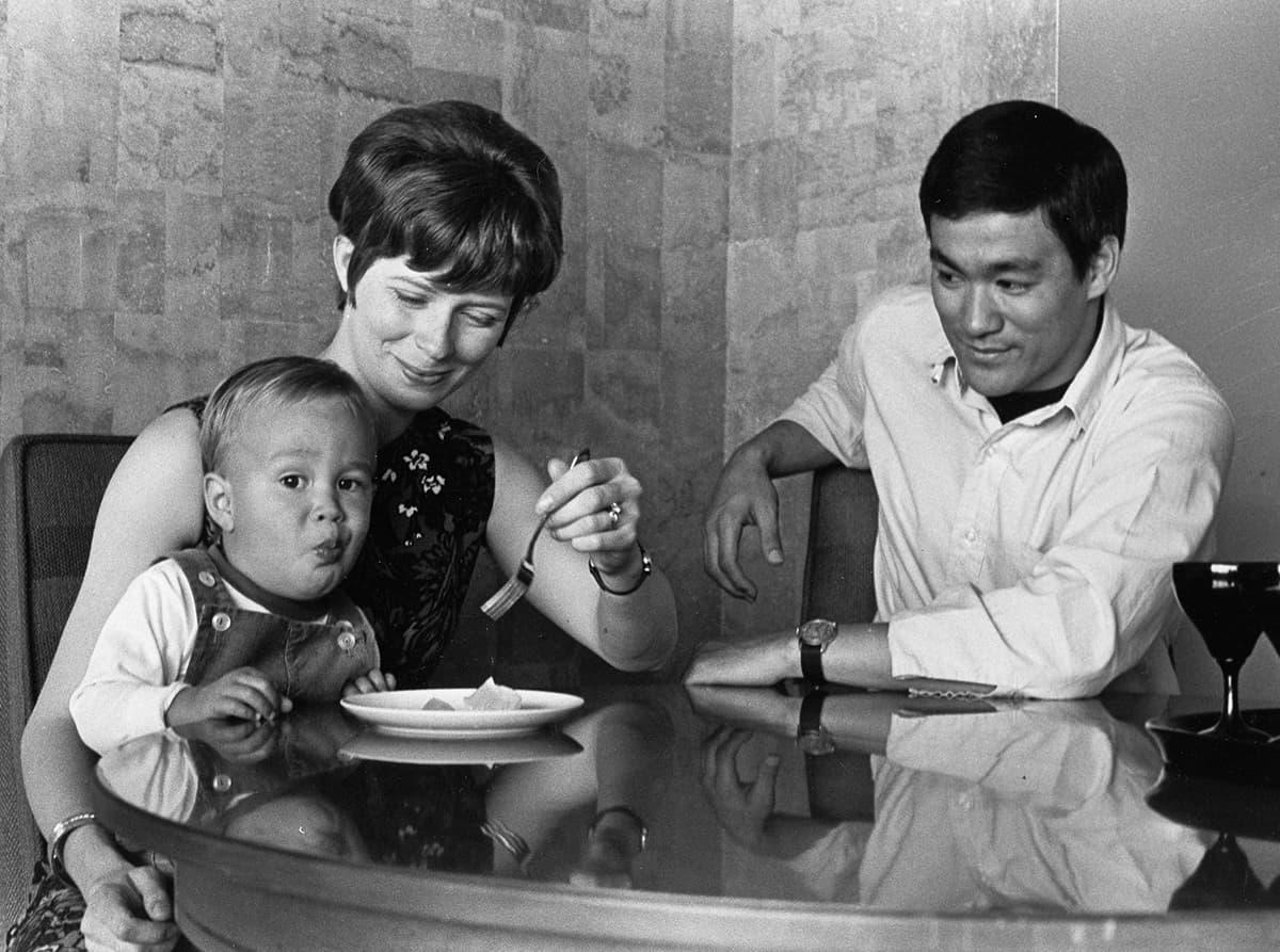 40 редких фотографий Брюса Ли из семейного архива