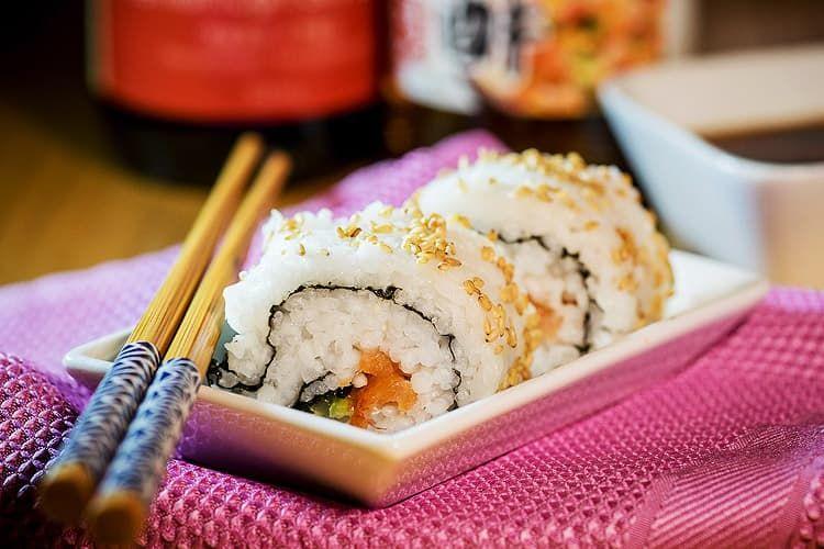 Как правильное есть суши и роллы