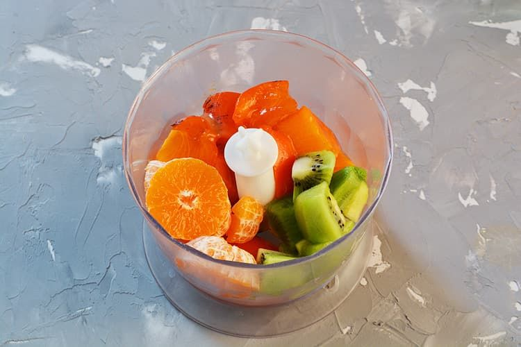 Фруктовый завтрак с овсянкой и грецкими орехами