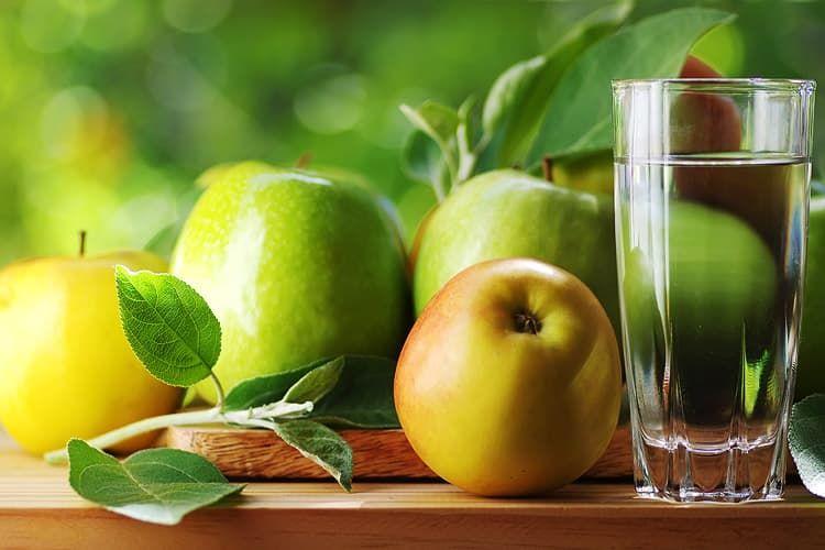 8 стаканов воды в день: миф или правда?
