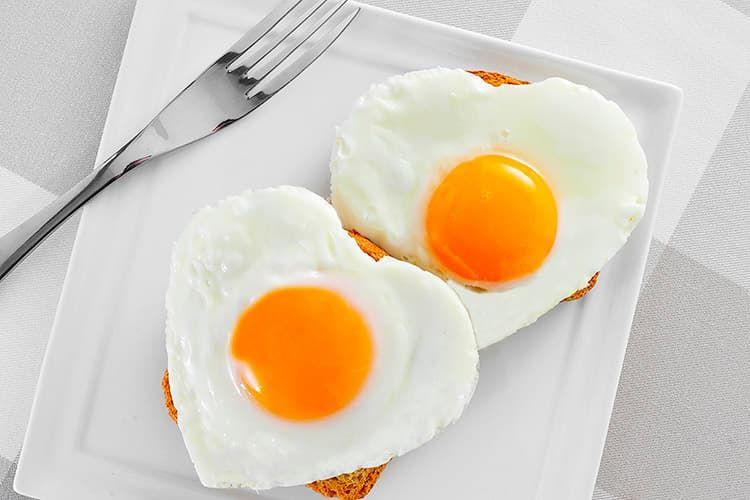 Сколько яиц в день можно есть?